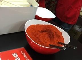 辛ラーメン「ニコニコ超会議」に出展 「赤」トッピングのラーメン味わおう