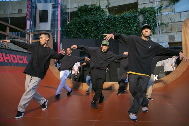 ブレイクダンスチーム「The Floorriorz」