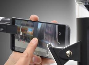 スマホに挟むだけでVR撮影 「360度クリップ式レンズ」