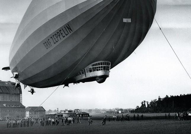 1900年ドイツの硬式飛行船がモチーフ