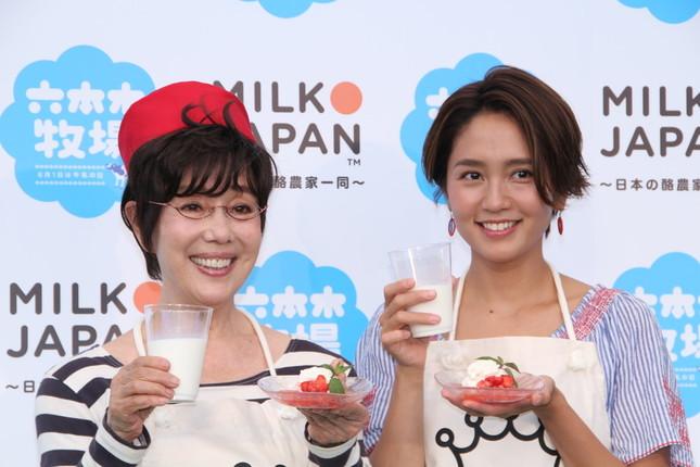 (左)平野レミさん、和田明日香さん
