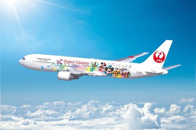 東京ディズニーリゾート35周年を記念した特別塗装機就航!