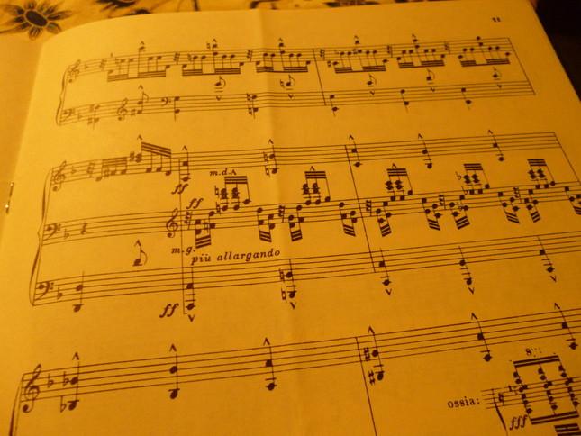 バッハのヴァイオリンの原曲も難曲だが、ヴィルトオーゾ・ブゾーニの編曲したピアノもかなりハードだ