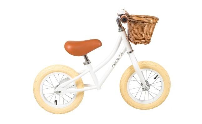 クラシックな雰囲気のバランスバイク