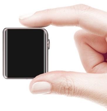 腕時計のような極小サイズながら確かな音質