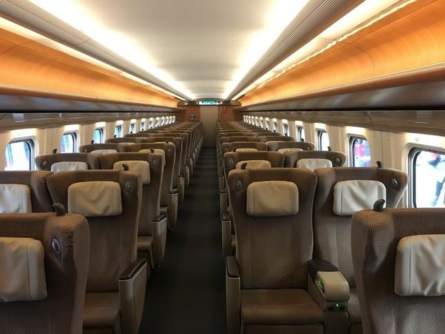 新幹線のグリーン車 (画像はイメージ)