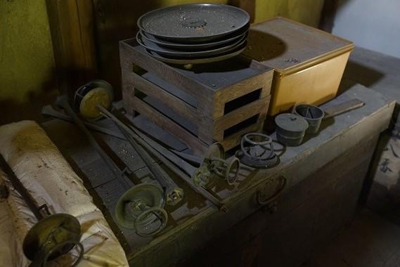 長年、未整理だった本蔵の収蔵品。片山の整理と調査で光が当てられた。膨大な資料を細部まで検討、分類して整理台帳を作る。その後、200年、300年という長い目で何を残していくかを両足院に提案する