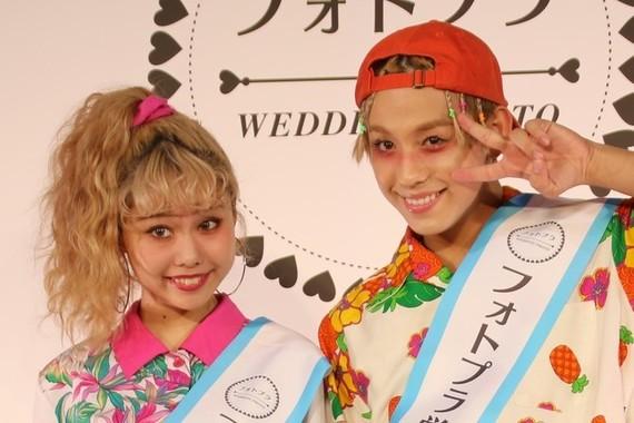 ぺこさんとりゅうちぇるさん夫妻(写真は2017年3月撮影)