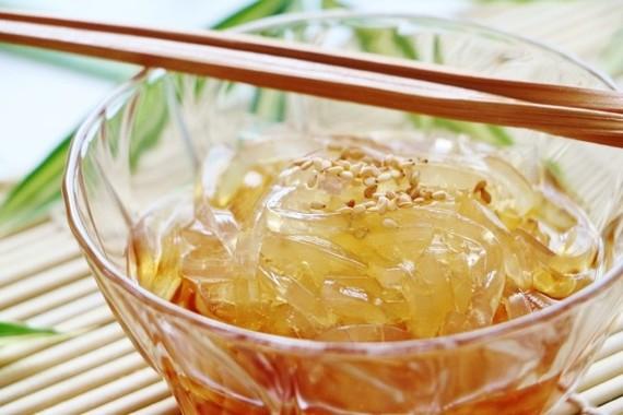 箸は1本か2本、かけるのは酢醤油か黒蜜か