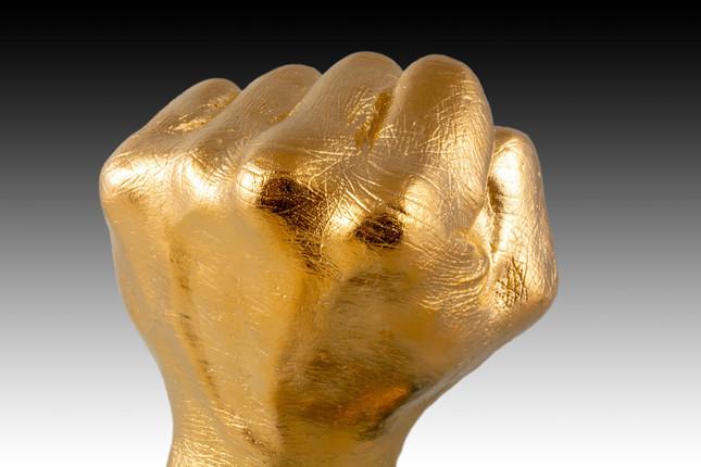 血管・手のシワ・毛穴までも忠実に再現