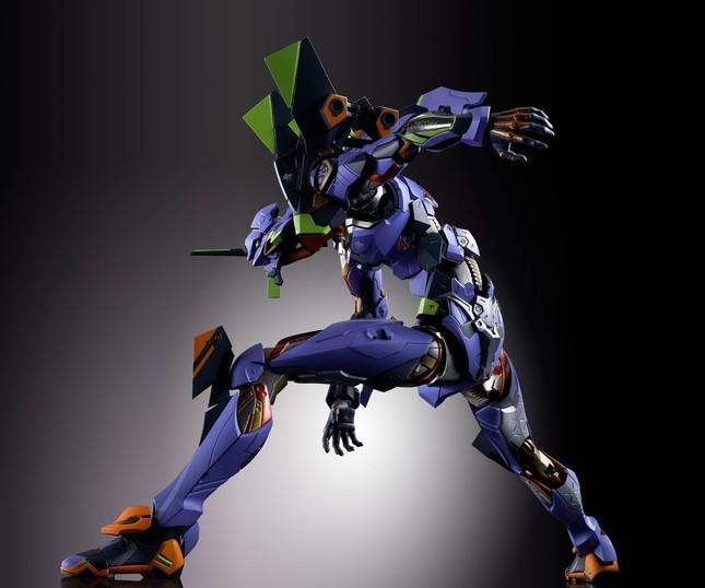 鋼の筋肉を持つ巨人「エヴァ初号機」を新解釈でリアルに造形