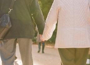 9月19日「苗字の日」に考える 「結婚後も旧姓を使いたい」その割合は
