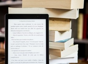 「紙の本」まだまだ人気は高いけれど... 「電子書籍」は読書家の支持を高めている