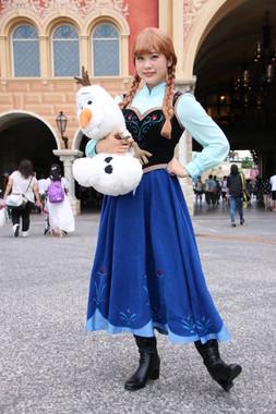 ゲストの仮装3 「アナと雪の女王」のアナ