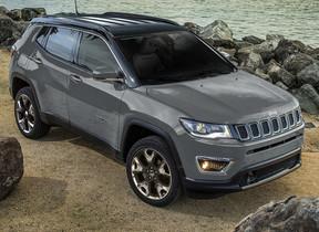 「Jeep Compass」 最上級グレード「リミテッド」にブラックルーフ初採用