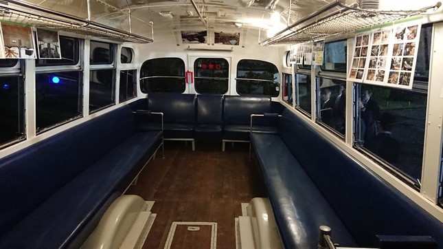 はとバスの中も当時のモデルを再現