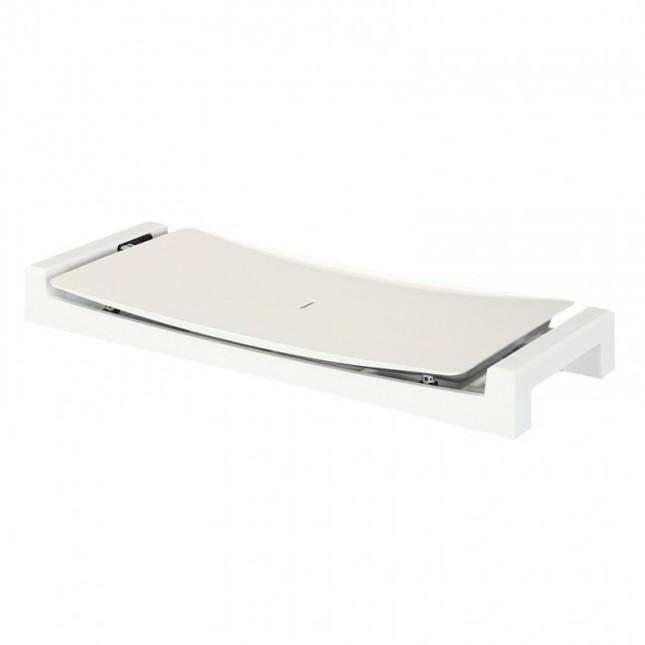 テーブルを華やかに演出するホワイトカラー