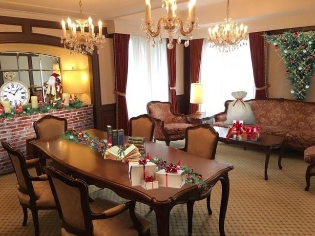 クリスマスモチーフいっぱいの客室