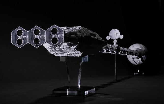 SF映画の金字塔に登場する宇宙船を海洋堂が精密に再現