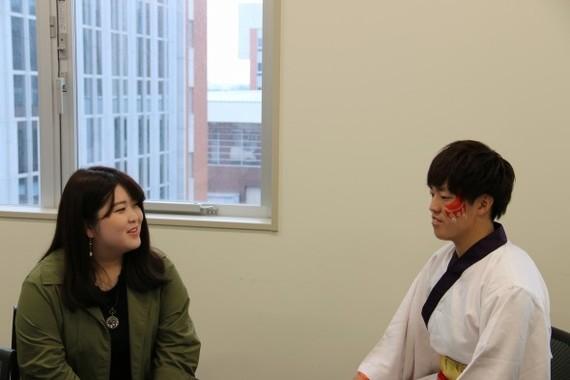 実はよさこいは大学から始めたという亮太さんを見守ってきた美香さん