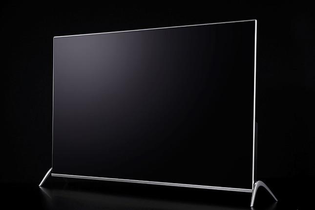「QLED」により美しい映像と液晶パネルの薄さを両立