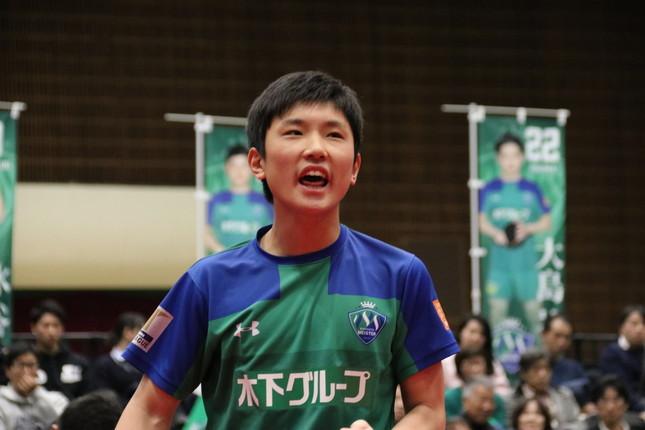 張本智和選手のいいプレーが決まると、ファンにはおなじみの雄叫び「チョレイ」が聞こえた