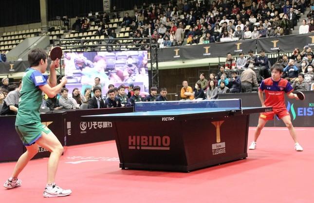 第3試合(シングルス)の水谷選手VS丹羽選手