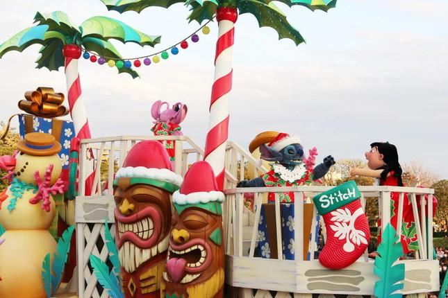 7つのクリスマスの物語が展開する(ディズニー・クリスマス・ストーリーズ)