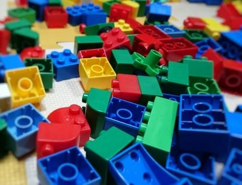 子どもの頃、レゴブロックで遊んだ人は多いのでは