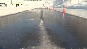 濡れた路面と思ったらブレーキ効かない 超危険「ブラックアイスバーン」の恐怖