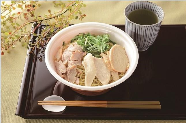 肉麺!鶏塩そば(チキン3種盛り)