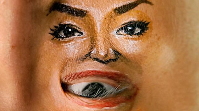 チョーヒカルさんが描いた「人の顔アート」
