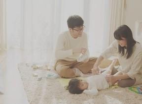 赤ちゃんのおむつ替えはかけがえのない時間 「パンパース」ウェブ限定動画