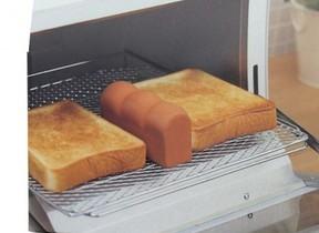 水に浸してパンと一緒に焼くだけ 「トーストスチーマー」