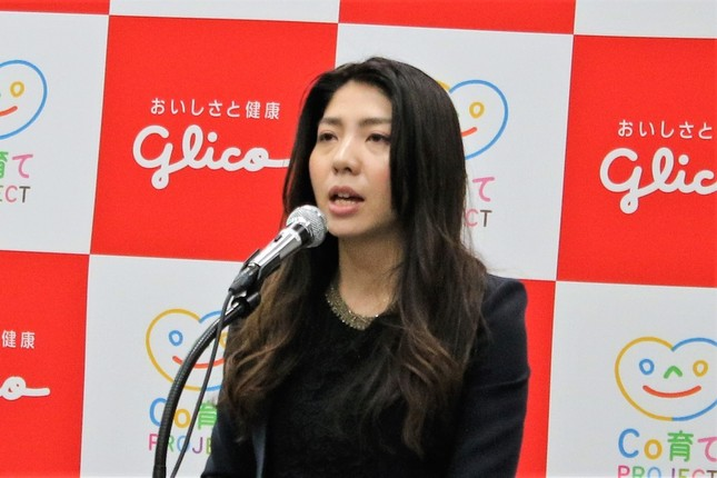 江崎グリコ・コーポレートコミュニケーション部プロジェクトリーダーの宮崎友恵氏