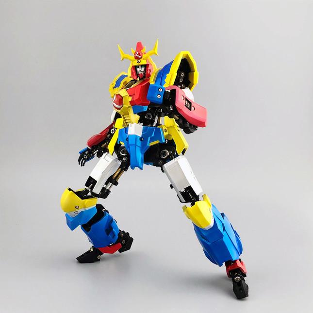 スーパーロボット的シルエットはそのまま、美しい可動ギミックを実現