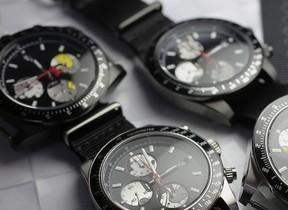 ミッキーマウスが見え隠れ 大人の遊び心満載の腕時計