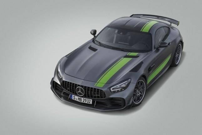 レーシングカーの技術を多数採用した特別仕様車