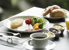 ホテルの朝食ビュッフェが毎日食べられる年間パスポート