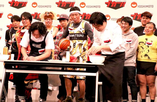 料理部(左:部長のバンビーノ藤田裕樹氏、右:イシバシハザマ石橋尊久氏)