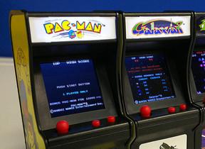 高さ9センチの「パックマン」「ギャラガ」 ゲームプレイ可能