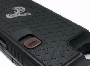 電圧95万ボルト! 護身用スタンガン機能付きiPhoneケース