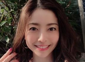 女優・片瀬那奈さん選んだストーン コラボジュエリー「THE KISS×nana katase」