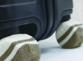 床を汚れや傷から守る キャリーケースの靴下