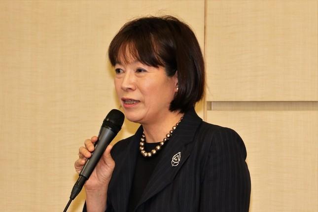 講演する人間総合科学大学人間科学部健康栄養学科の教授・奥田奈賀子氏