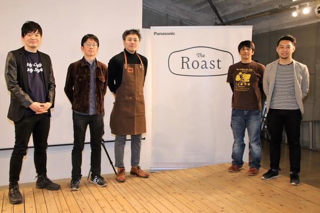 会場に集まっていた「Japan Coffee Roasting Championship」歴代焙煎チャンピオン(左から)江口崇臣さん、近藤啓さん、後藤直紀さん、仲村良行さん、井田浩司さん