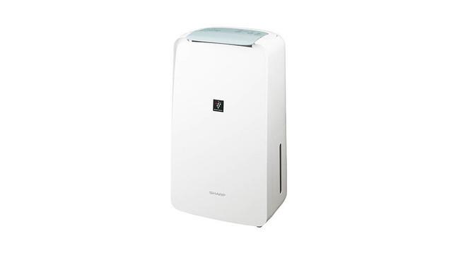洗濯物を乾燥させ、プラズマクラスターが匂いやカビの原因菌を抑制
