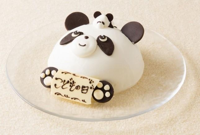 可愛らしいパンダの親子ケーキ