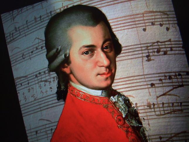 数多く残っているモーツァルトの自筆譜からはいろいろなことが推測できる
