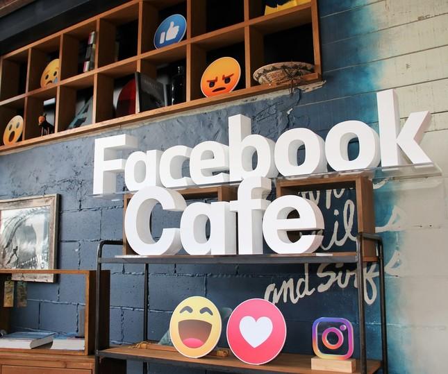 日本語版11周年を記念したフェイスブックカフェ(5/17-19)